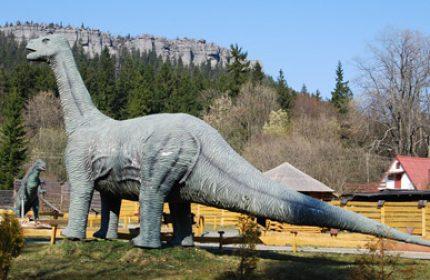 Park dinozaurów Karłów (pod Szczelińcem Wielkim)